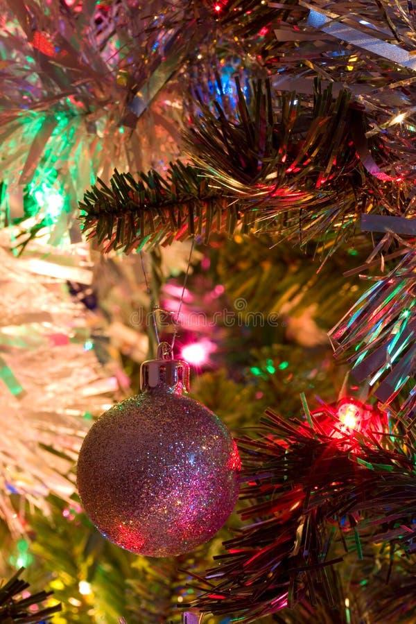 Bille argentée d'arbre de Noël images stock