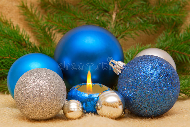 Billes bleues de Noël. photos libres de droits