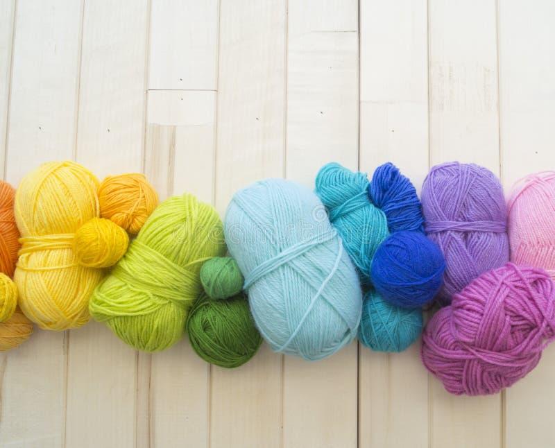 Billes colorées de filé Vue de ci-avant Couleurs d'arc-en-ciel Toutes les couleurs image libre de droits