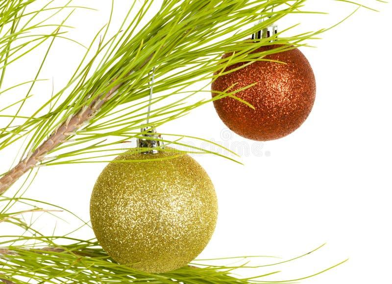 Billes d'or et rouges de Noël photographie stock libre de droits