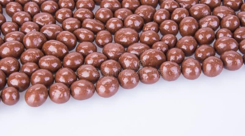 Billes de chocolat boules de chocolat sur un fond image libre de droits