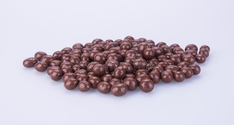 Billes de chocolat boules de chocolat sur un fond images libres de droits