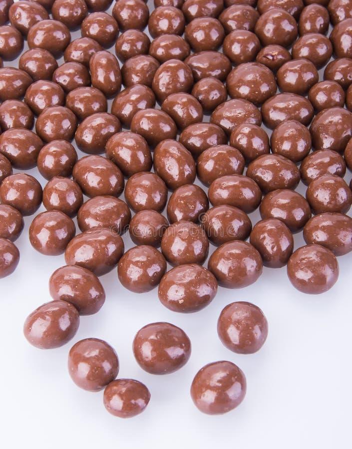 Billes de chocolat boules de chocolat sur un fond image stock