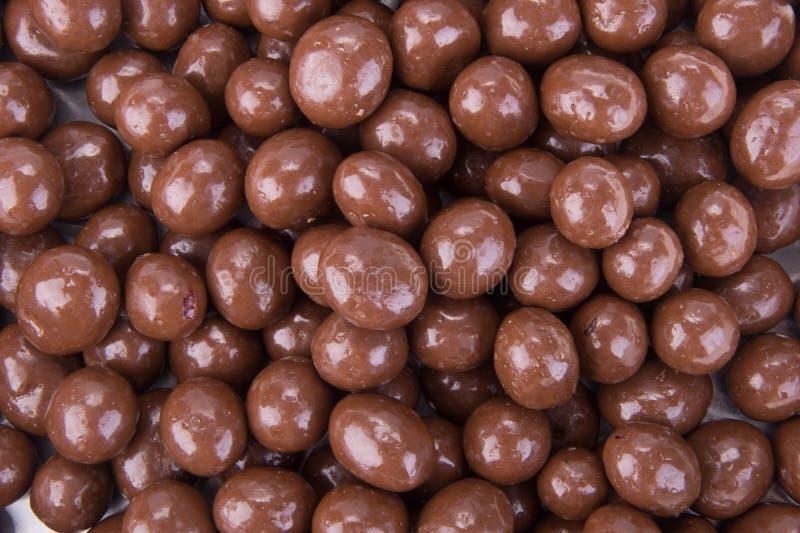 Billes de chocolat boules de chocolat sur un fond photo stock
