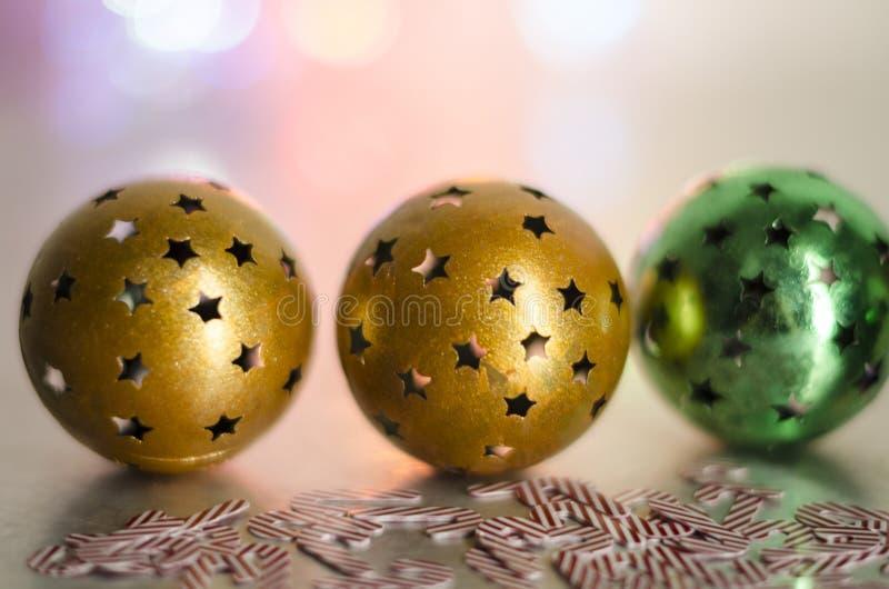 Billes de Noël avec des étoiles photo libre de droits