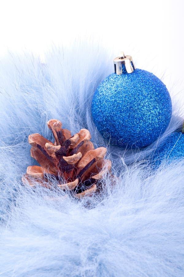 Billes et pinecones de Noël photo libre de droits