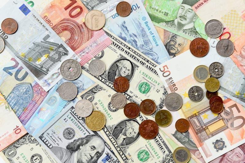 Billete de banco y moneda imagen de archivo libre de regalías