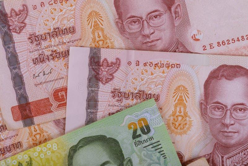 Billetes de banco del nuevo dinero del primer de la cuenta del baht de Tailandia fotos de archivo libres de regalías