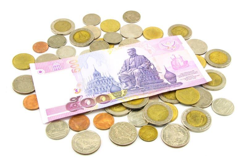 Billetes de banco y monedas de Tailandia aislados fotos de archivo