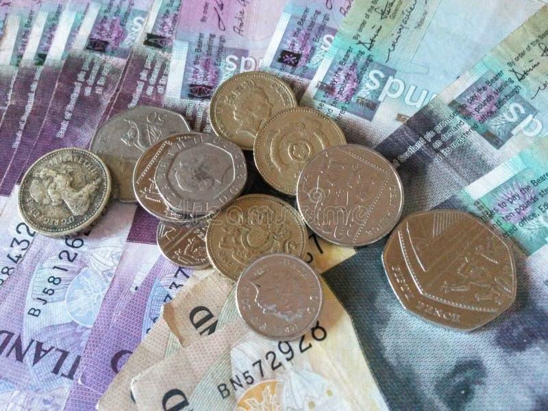 Billetes de banco y notas esterlinas escoceses de la libra fotos de archivo
