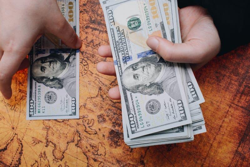 Billetes en dólares EE.UU. Moneda, Efectivo, Concepto de Facturación fotos de archivo