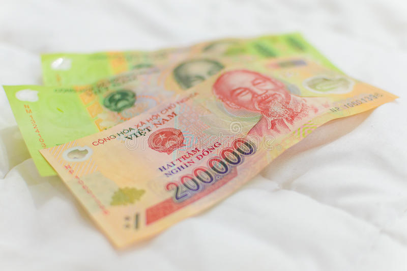 Billets de banque vietnamiens de Dong de devise photos stock