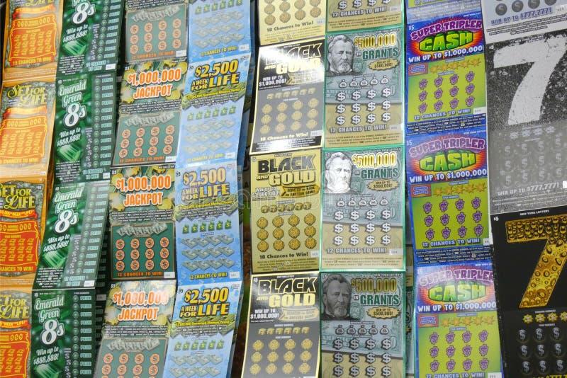 Billets de loterie d'éraflure- photos stock