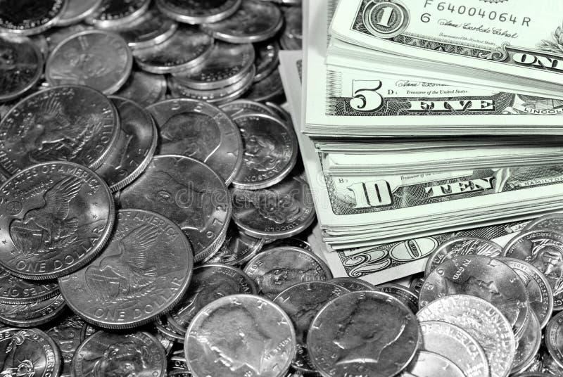 Billets et pièces d'argent d'argent liquide photos stock