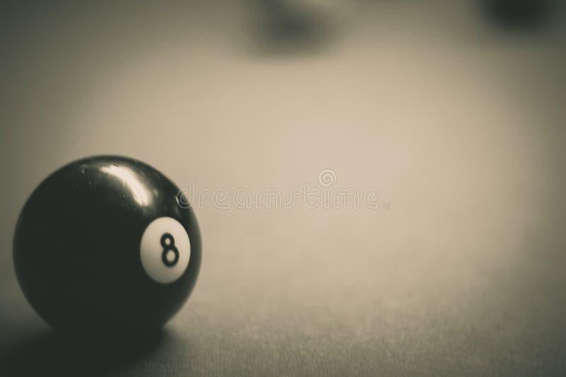 Billiards plastikowe piłki na stole obrazy royalty free