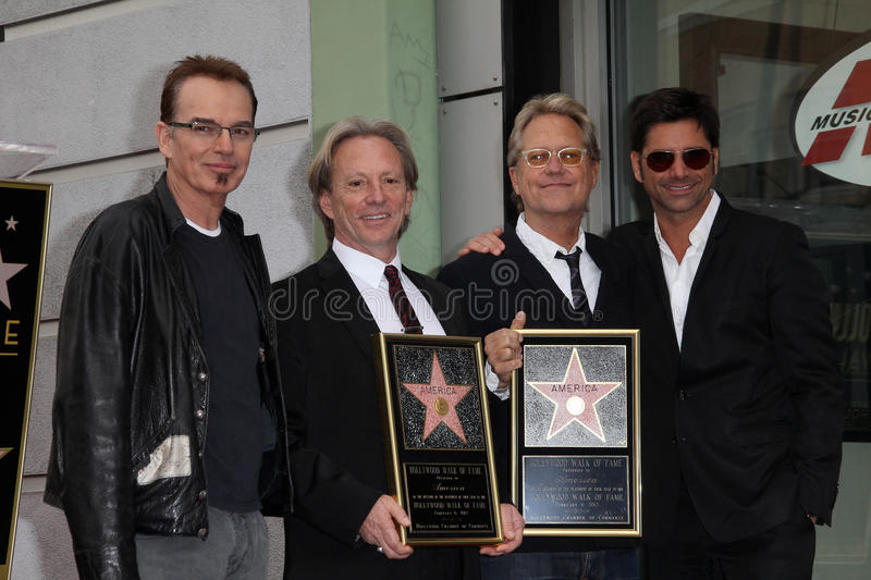 Billy Bob Thornton, Dewey Bunnell, Gerry Beckley, John Stamos images stock
