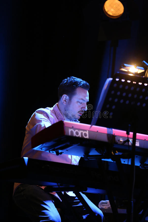 Billy Cobham Band vivo na fase no GELO Cracow imagens de stock