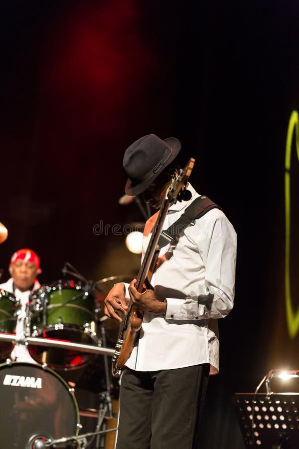 Billy Cobham Band vivo na fase no GELO Cracow imagem de stock
