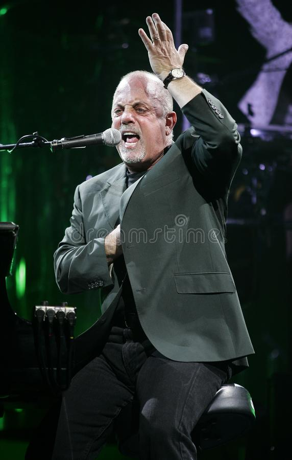 Billy Joel Performs in Overleg stock foto