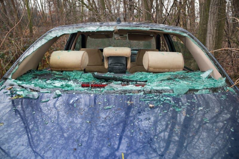 Bilolycka med förstört exponeringsglas royaltyfri fotografi