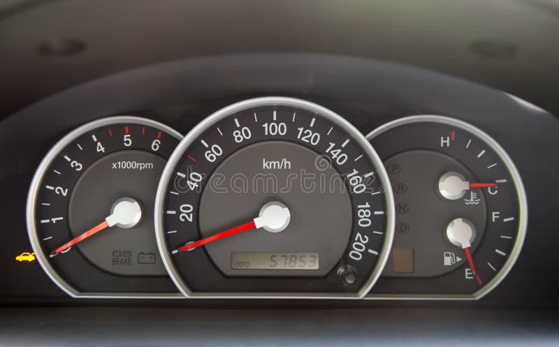 bilspeedometer arkivbild