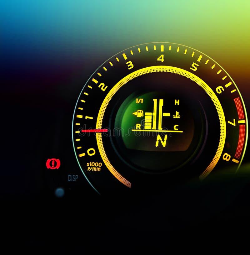 Bilspeedometer och bränslegauge royaltyfria foton