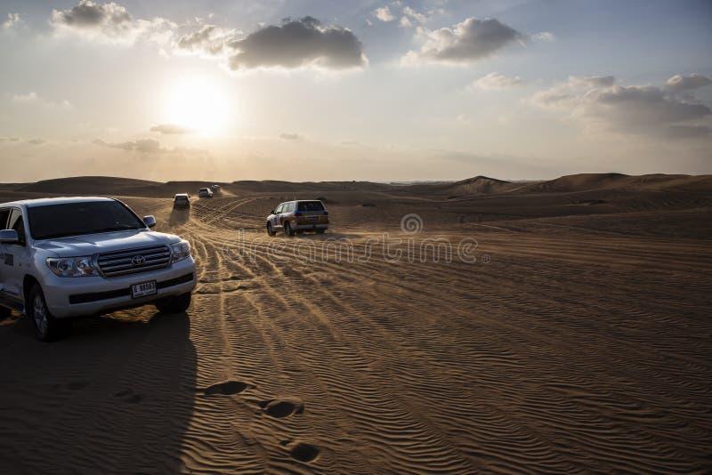 Biltur i öknen arkivfoton
