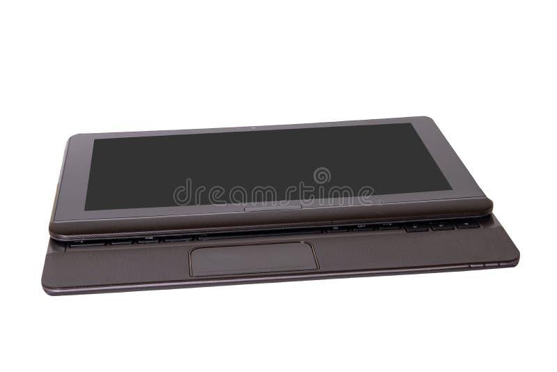 Binär Code Schließen Sie oben vom modernen tragbaren Laptop mit einem dunklen oder schwarzen leeren Bildschirm, der auf einem Wei lizenzfreies stockbild