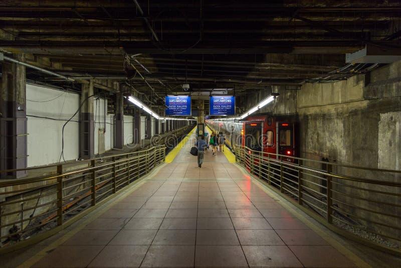 Binario alla stazione in terminale di Grand Central a New York fotografia stock libera da diritti