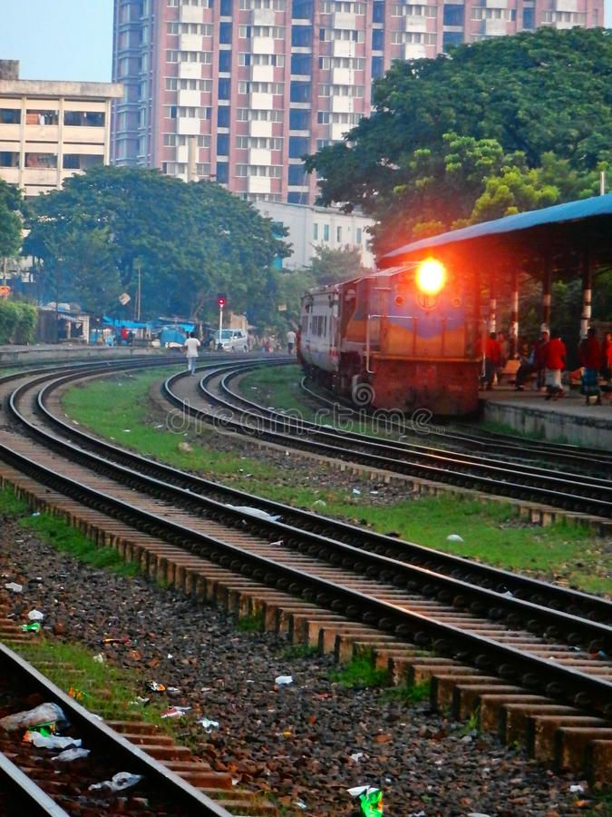 Binario del treno in Bangladesh fotografie stock libere da diritti