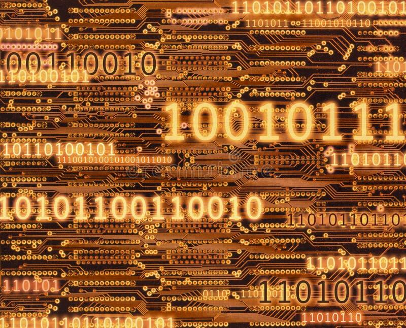 Binarnego kodu liczby na obwód deski tle zdjęcia stock