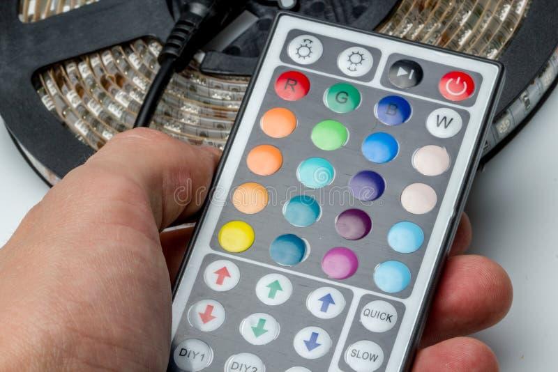 Binda färgglad regnbågefärgtråd för elektronisk snabb prototyping arkivbild