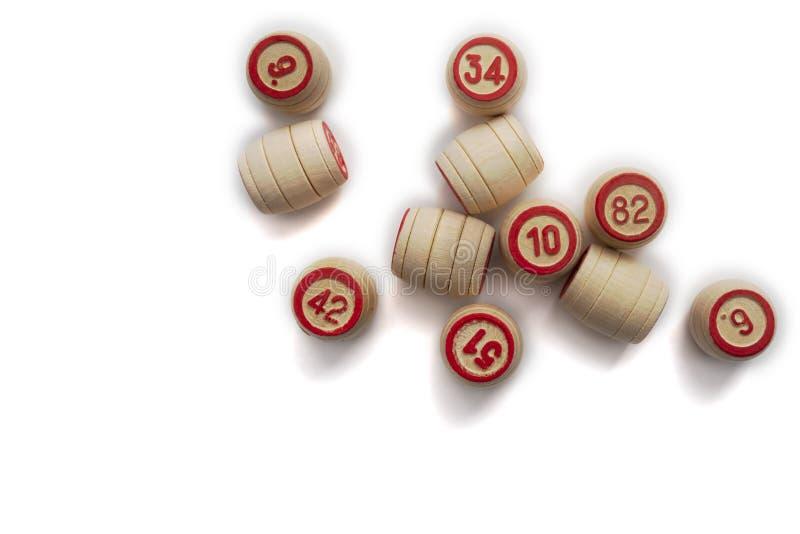 Bingo eller lottolek Träkaggar av lottot på kort arkivfoton