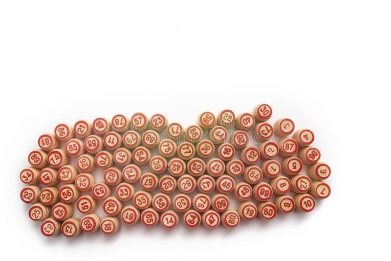 Bingo ou jogo do loto Barris de madeira do loto em cartões foto de stock