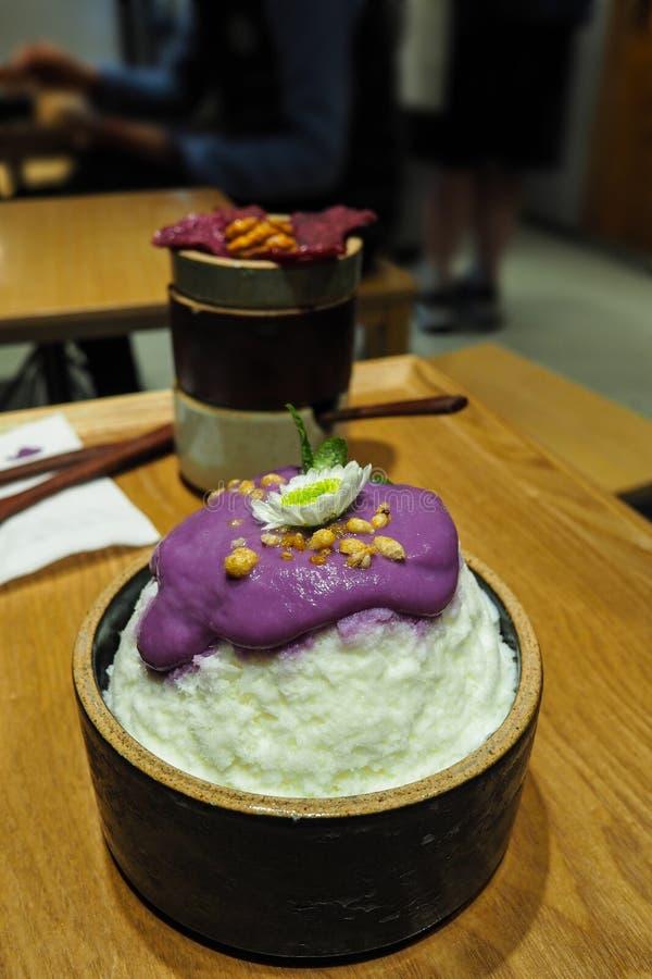 Bingsu de la patata dulce, hielo que afeita el postre fotos de archivo libres de regalías