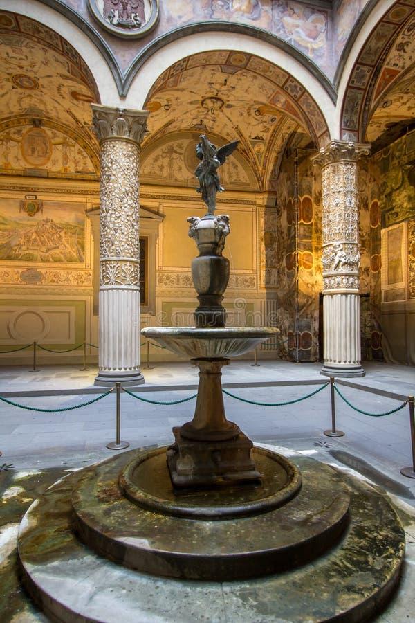 Binnen binnenplaats van het Paleis van Medici Riccardi Florence, Italië stock afbeelding