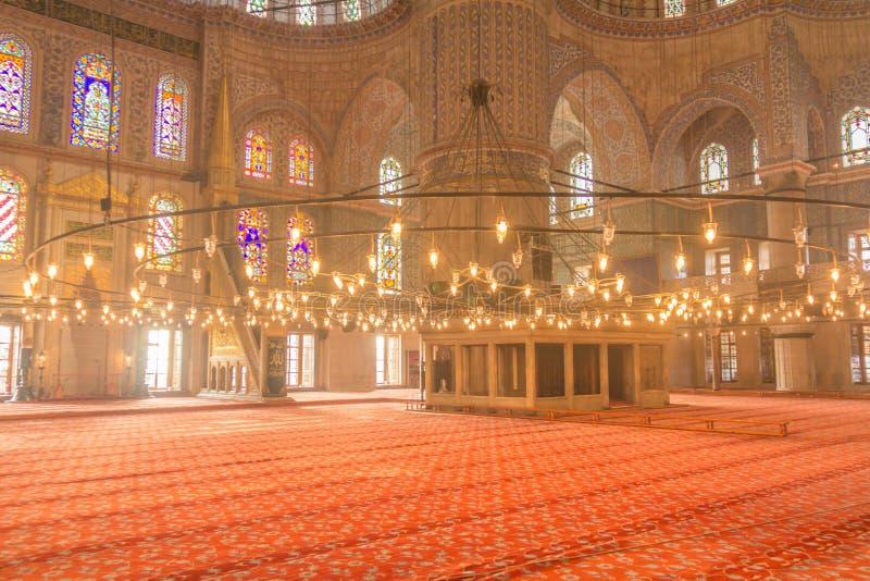 Binnen de Blauwe Moskee in Istanboel Turkije stock afbeeldingen