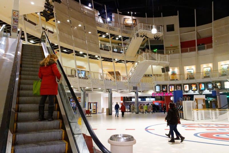 Binnen de het Forumbioskoop van Montreal stock foto's