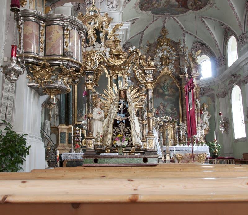 Het heilige statuut van Maria in kerk Axam Oostenrijk stock foto's