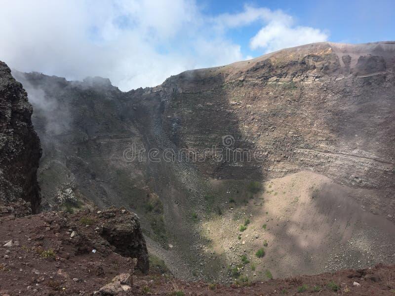 Binnen de krater van de Vesuvius, Italië royalty-vrije stock foto