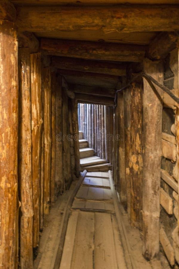 Binnen de tunnel van hoop in Sarajevo, tunnelmuseum, het eerste deel van de tunnel stock foto