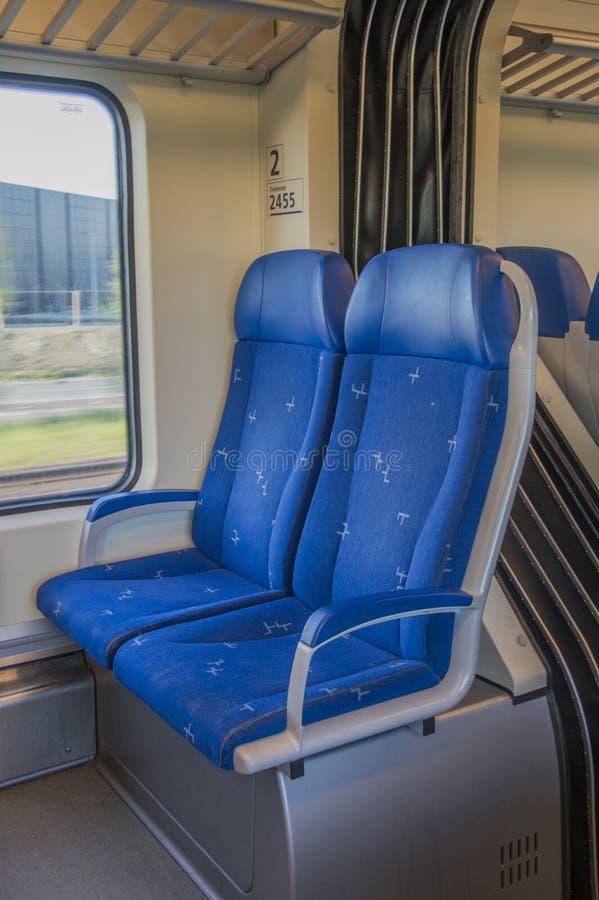 Binnen een NS-Trein bij Hoofddorp-Nederland stock fotografie
