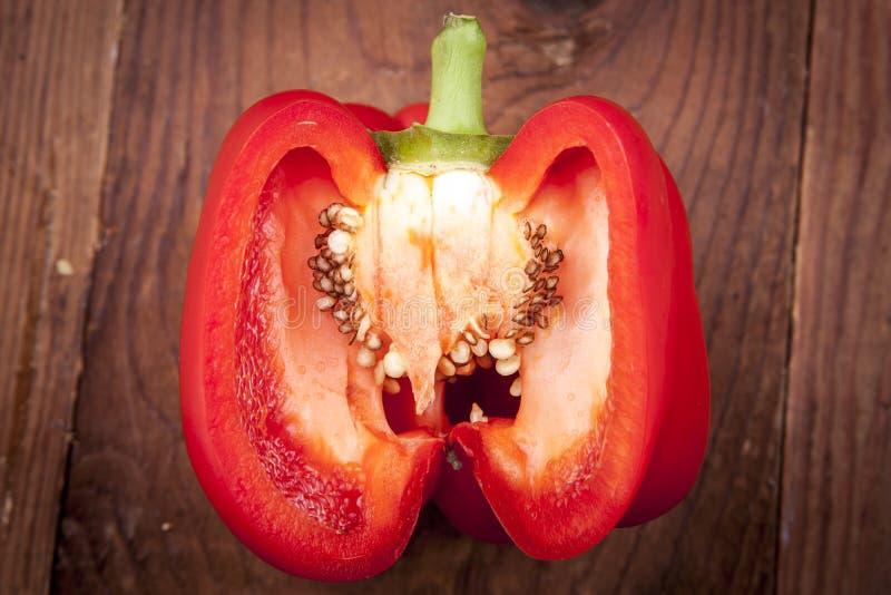 Binnen een rode groene paprika royalty-vrije stock foto