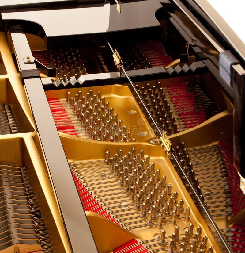 Binnen grote piano royalty-vrije stock foto