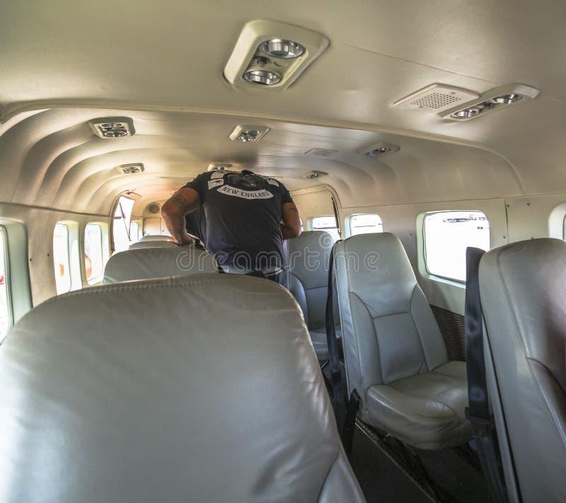 Binnen klein vliegtuig op de vlucht van Hawaï royalty-vrije stock fotografie