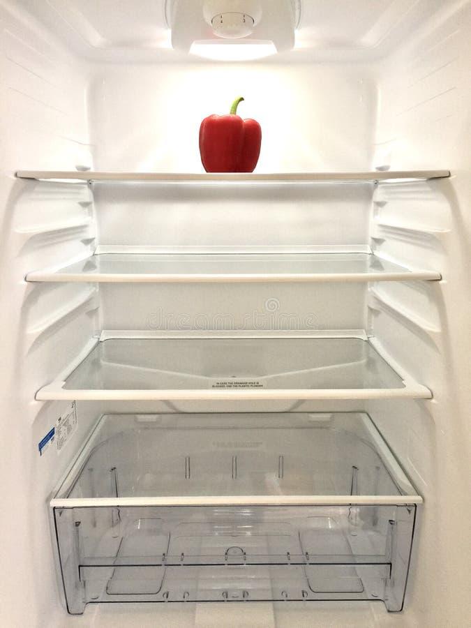 Binnen lege koelkast royalty-vrije stock afbeeldingen