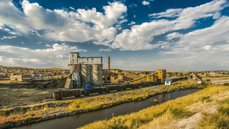 Binnen Mongolië - kleine steenkool mines1 stock afbeeldingen