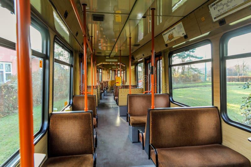 Binnen oude tram stock foto