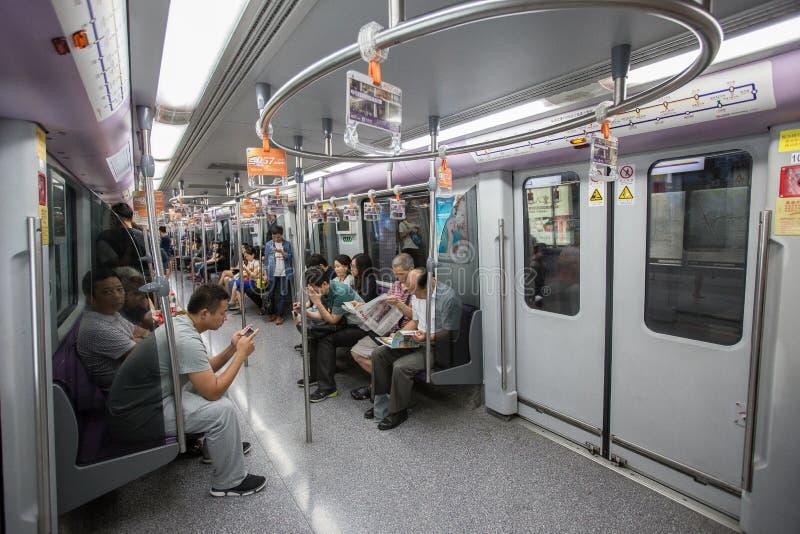Binnen schot van een Metro Trein stock foto's