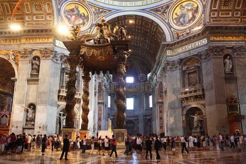 Binnen St. Peter Basiliek royalty-vrije stock foto's
